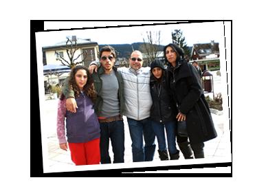 amar2_family_img